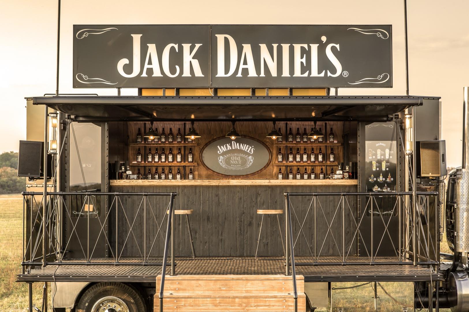 1_1625x1083_Jack_Daniels_Truck.jpg