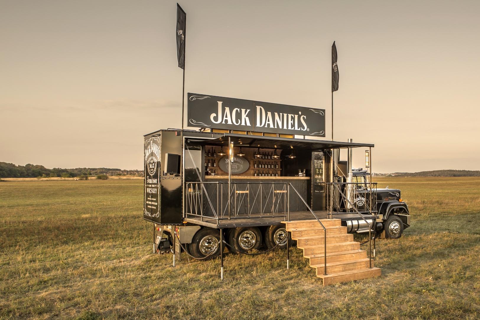 4_1625x1083_Jack_Daniels_Truck.jpg